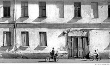 Увеличить фотографию Александра Лапина 'Два велосипедиста'